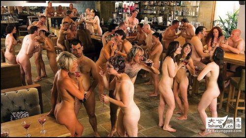 【画像】ドイツは合法売春!本番OKなサウナ風俗FKKがこちらですwww 49枚 No.40