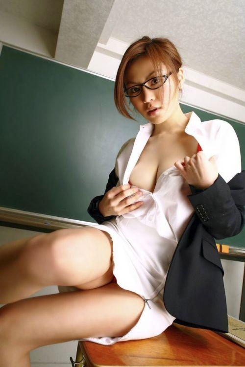エッチな授業で成績を良くしちゃうセクシー女教師のエロ画像 34枚 No.18