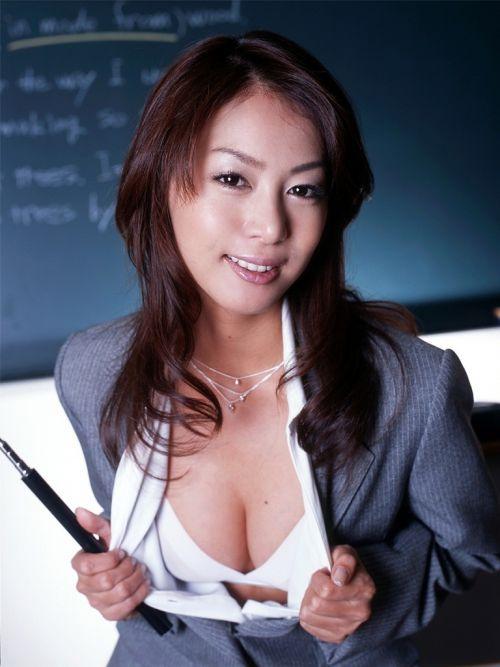エッチな授業で成績を良くしちゃうセクシー女教師のエロ画像 34枚 No.28