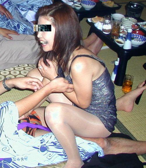 【画像】社員旅行で旅館に呼んだピンクコンパニオンとエロい事するの楽しすぎwww 31枚 No.7