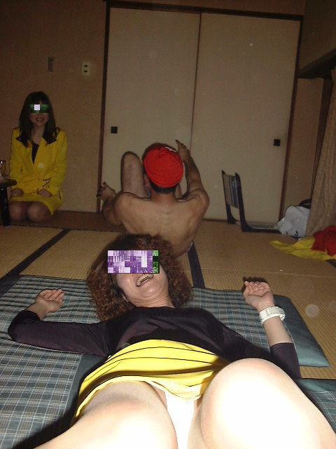 【画像】社員旅行で旅館に呼んだピンクコンパニオンとエロい事するの楽しすぎwww 31枚 No.15