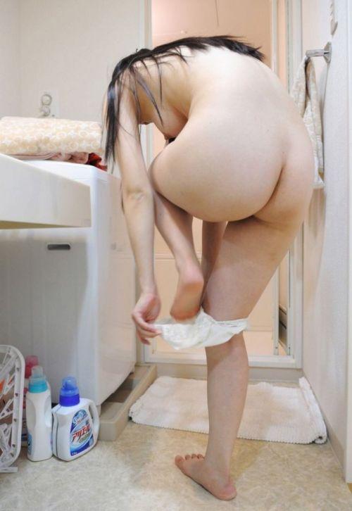 【画像】妹や姉が風呂上がりの着替えをコッソリ隠し撮りしたったwww 33枚 No.3