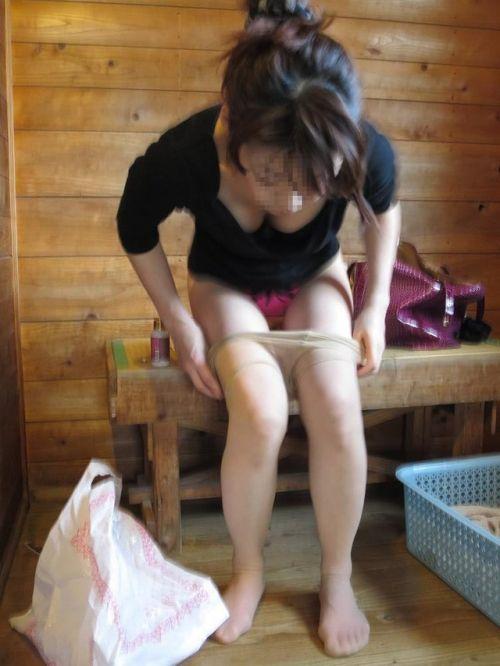 【画像】妹や姉が風呂上がりの着替えをコッソリ隠し撮りしたったwww 33枚 No.6