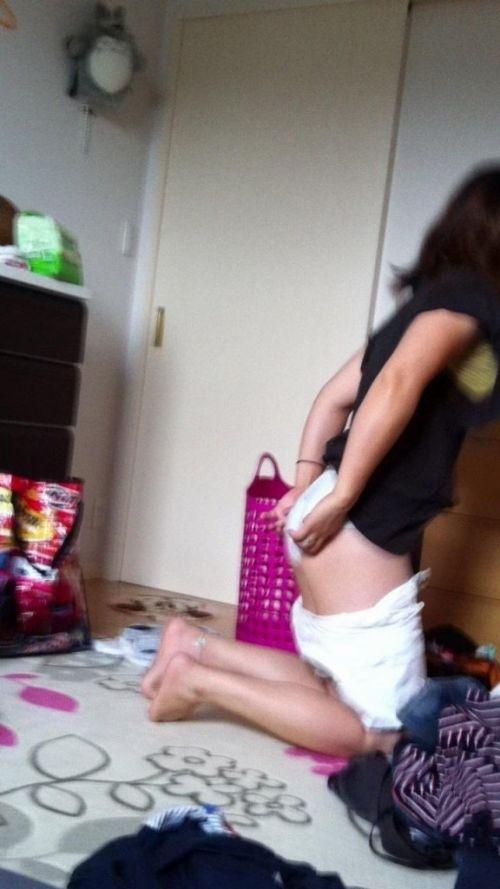 【画像】妹や姉が風呂上がりの着替えをコッソリ隠し撮りしたったwww 33枚 No.14