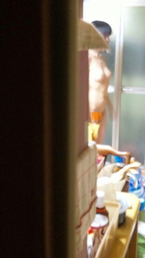 【画像】妹や姉が風呂上がりの着替えをコッソリ隠し撮りしたったwww 33枚 No.30