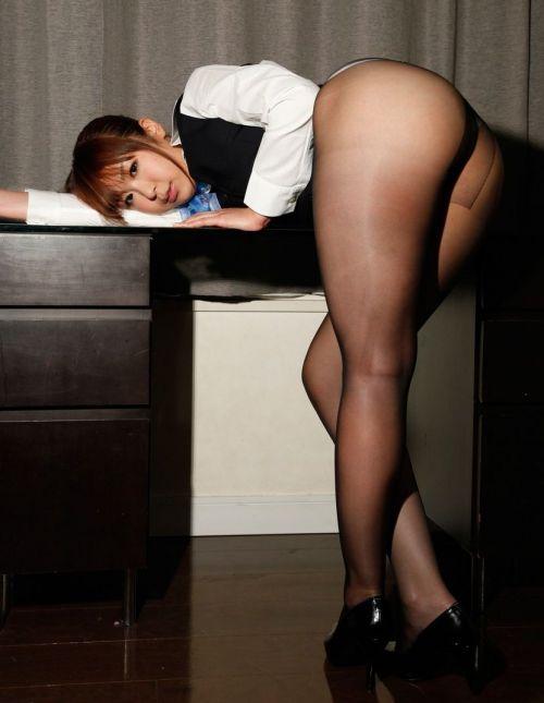 【画像】ストッキングを履いた客室乗務員(CA)の淫らな姿にフル勃起www 33枚 No.7