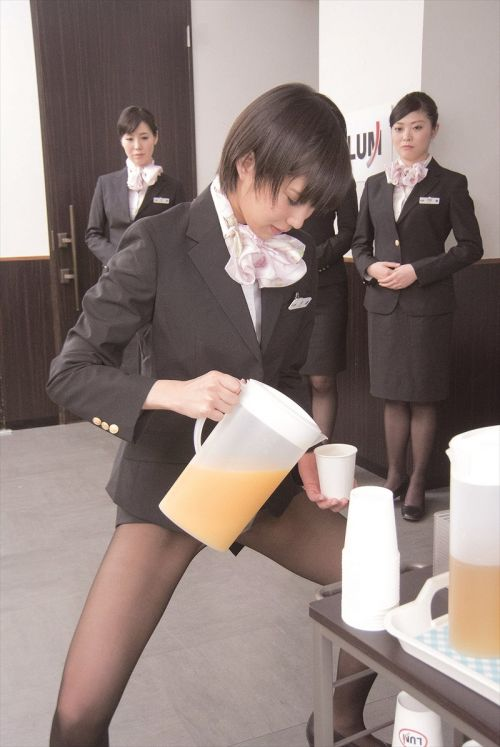 【画像】ストッキングを履いた客室乗務員(CA)の淫らな姿にフル勃起www 33枚 No.14