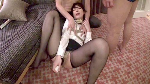 【画像】ストッキングを履いた客室乗務員(CA)の淫らな姿にフル勃起www 33枚 No.23
