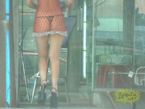 【台湾】エロい衣装を着たビンロウ売り少女のお尻を盗撮したエロ画像 44枚 No.12