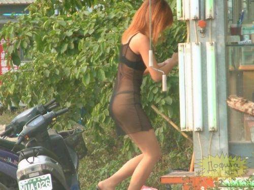 【台湾】エロい衣装を着たビンロウ売り少女のお尻を盗撮したエロ画像 44枚 No.15