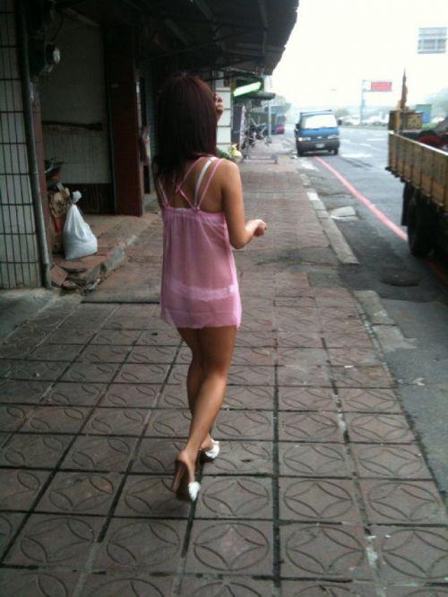【台湾】エロい衣装を着たビンロウ売り少女のお尻を盗撮したエロ画像 44枚 No.20