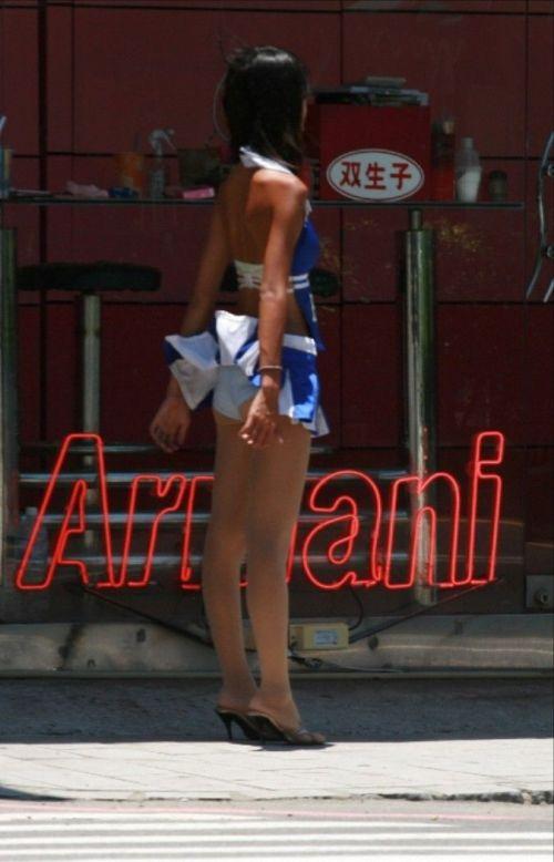 【台湾】エロい衣装を着たビンロウ売り少女のお尻を盗撮したエロ画像 44枚 No.29