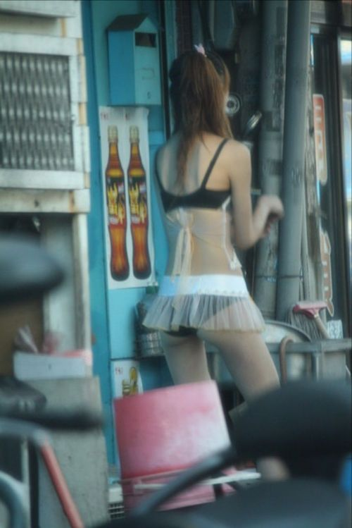 【台湾】エロい衣装を着たビンロウ売り少女のお尻を盗撮したエロ画像 44枚 No.32