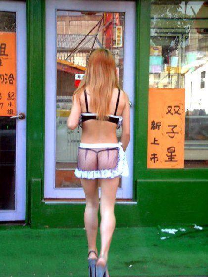 【台湾】エロい衣装を着たビンロウ売り少女のお尻を盗撮したエロ画像 44枚 No.36