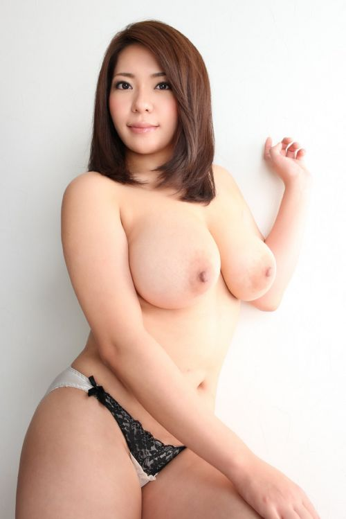 杏美月(あんみつき)ムチムチ怪物おっぱいなAV女優のエロ画像 261枚 No.4