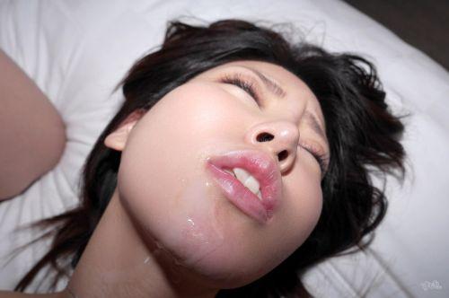 美女の綺麗な顔をザーメンまみれにする顔射ぶっかけエロ画像 35枚 No.17