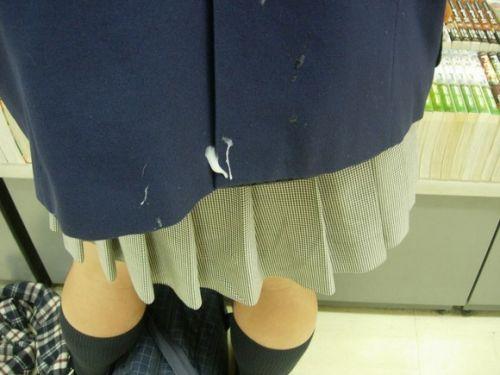 【画像】女の子のスカートやホットパンツにザーメンぶっかけた結果www 42枚 No.3