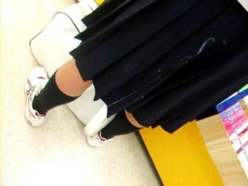 【画像】女の子のスカートやホットパンツにザーメンぶっかけた結果www 42枚 No.20