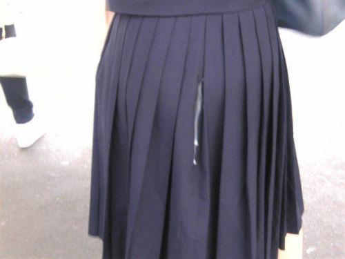 【画像】女の子のスカートやホットパンツにザーメンぶっかけた結果www 42枚 No.23