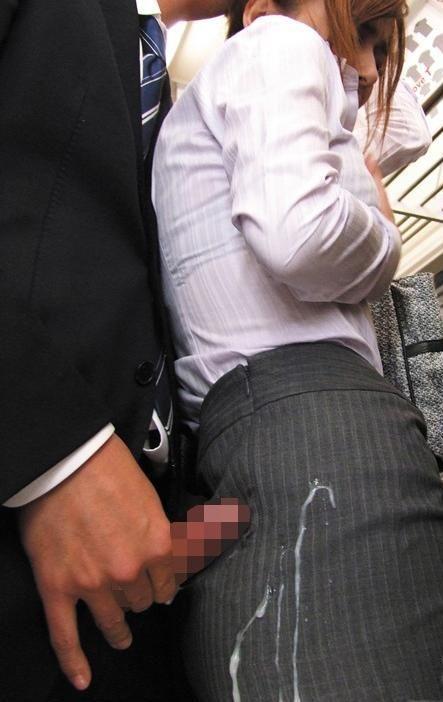 【画像】女の子のスカートやホットパンツにザーメンぶっかけた結果www 42枚 No.31