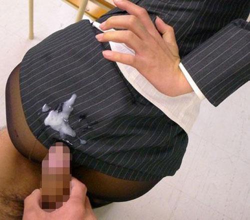 (写真)女子のスカートやホットパンツにざーめんぶっかけた結果www 42枚