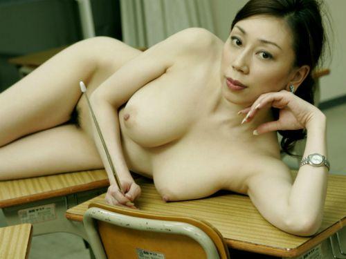 おっぱい出してエッチな授業をするドスケベ女教師のエロ画像 33枚 No.11