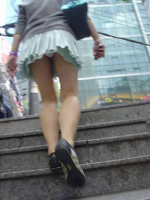 ラッキーパンチラ!風でめくれ上がるスカートがエッチな風チラ画像 34枚 No.6