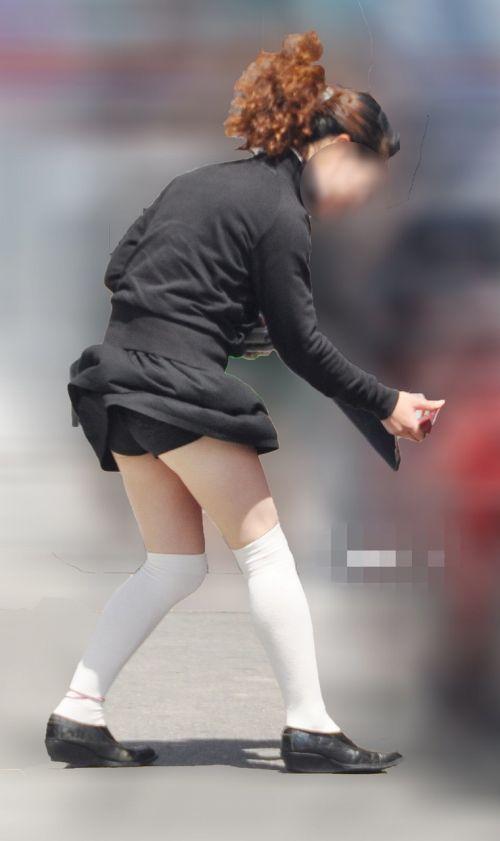 ラッキーパンチラ!風でめくれ上がるスカートがエッチな風チラ画像 34枚 No.28