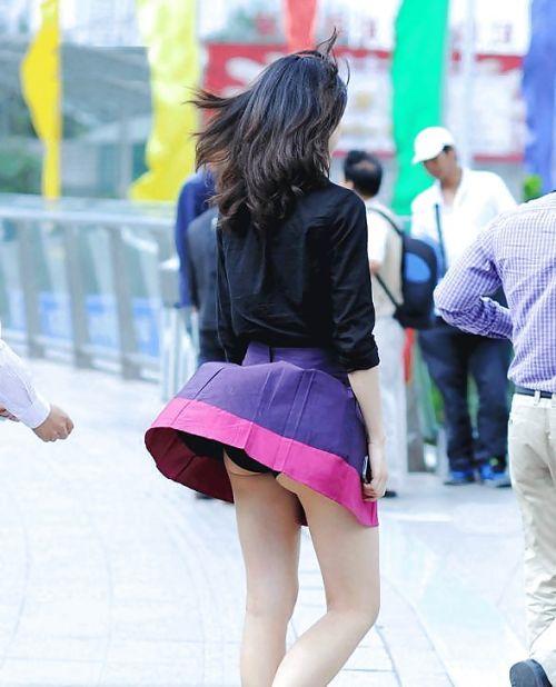 ラッキーパンチラ!風でめくれ上がるスカートがエッチな風チラ画像 34枚 No.31