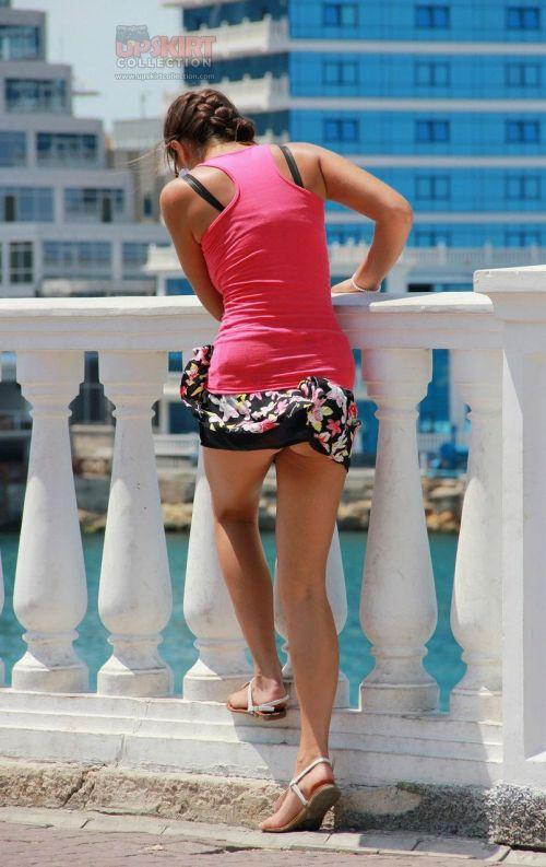 海外女性のスカートがエッチに舞い上がる風パンチラエロ画像 41枚 No.5