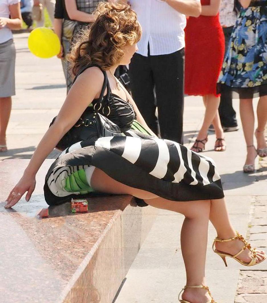 Случайный взгляд юбками под