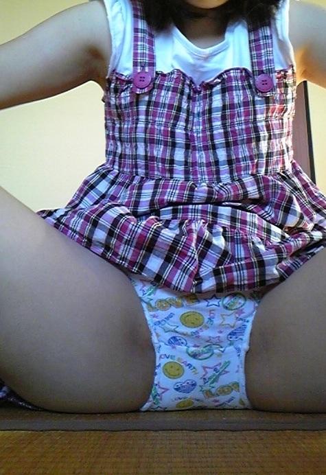 【ロ◯コン歓喜】子供用のキャラパンティを履いた女の子の股間エロ画像 40枚 No.13
