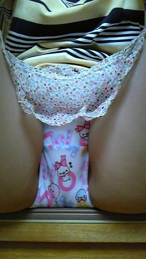 【ロ◯コン歓喜】子供用のキャラパンティを履いた女の子の股間エロ画像 40枚 No.39