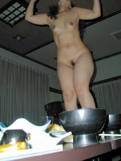 温泉旅館のピンクコンパニオンが宴会でおっぱい・マンコ丸出しで大はしゃぎwww 32枚 No.6