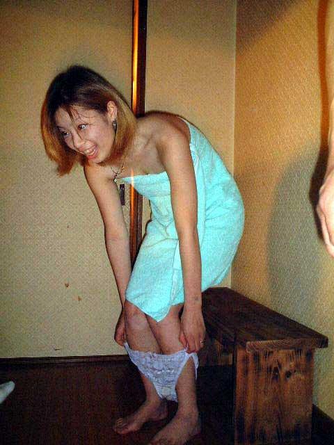 温泉旅館のピンクコンパニオンが宴会でおっぱい・マンコ丸出しで大はしゃぎwww 32枚 No.17