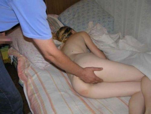 裸族な外国人女性が巨乳やデカ尻丸出しで寝ている盗撮エロ画像 35枚 No.32