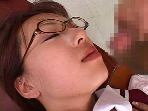 【画像】知的で綺麗なお姉さんの眼鏡にぶっかける達成感は異常www 32枚 No.11