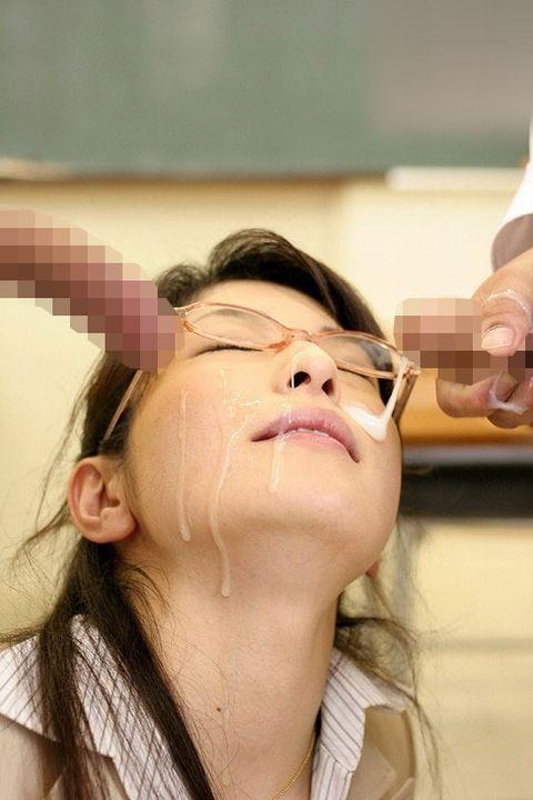 【画像】知的で綺麗なお姉さんの眼鏡にぶっかける達成感は異常www 32枚 No.22