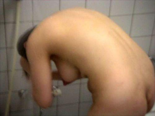 お風呂で髪の毛を洗う女の子を盗撮した洗髪エロ画像 43枚 No.22