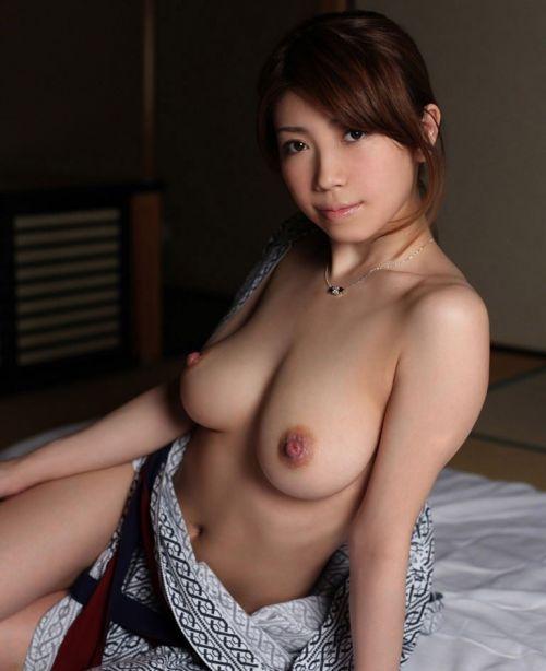 【画像】浴衣が乱れてセクシーなお姉さんのおっぱいエロ過ぎwww 33枚 No.23