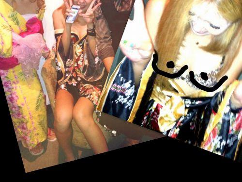 お祭りや花火大会で浴衣姿の女の子の座りパンチラ盗撮画像 36枚 No.30