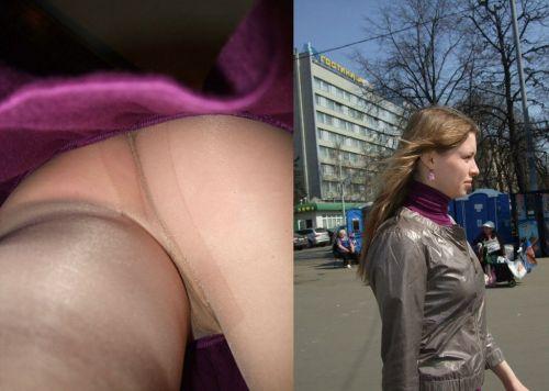 パンストを履いたグラマラス外国人女性のパンチラ逆さ撮り画像 37枚 No.5