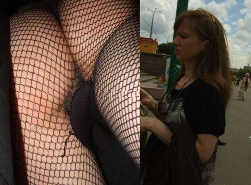 パンストを履いたグラマラス外国人女性のパンチラ逆さ撮り画像 37枚 No.20