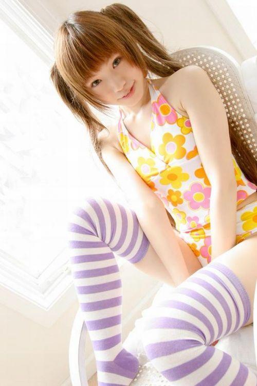 可愛い縞々ニーソを履いた美少女の絶対領域パンチラエロ画像 36枚 No.22