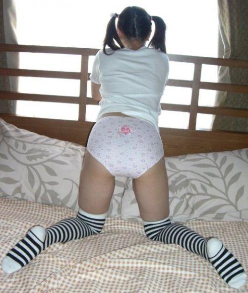 カワイイ柄パンティを履いた女の子の股間に埋もれたくなるエロ画像 38枚 No.9