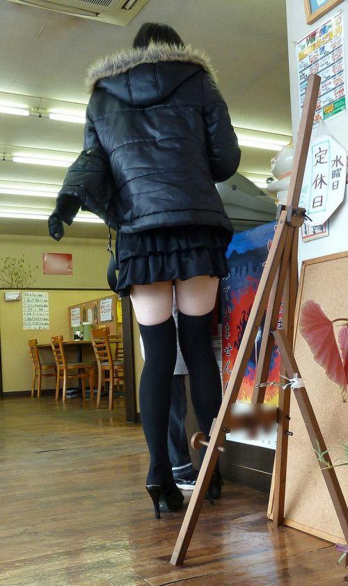 【絶対領域】お店の中のオシャレなニーソ女子限定!ムチムチ太ももエロ画像! 32枚 No.29