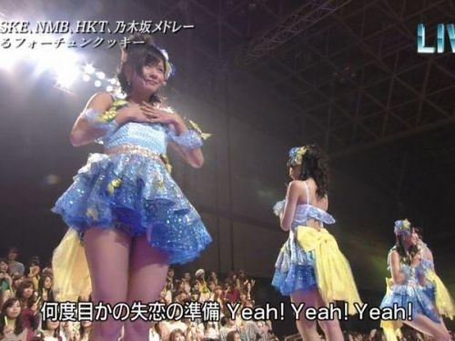 AKB48グループメンバーのTVパンチラ総選挙!お宝ハプニングエロ画像 41枚 No.1