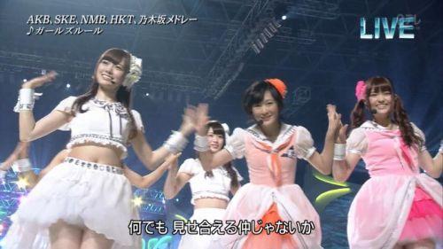 AKB48グループメンバーのTVパンチラ総選挙!お宝ハプニングエロ画像 41枚 No.3
