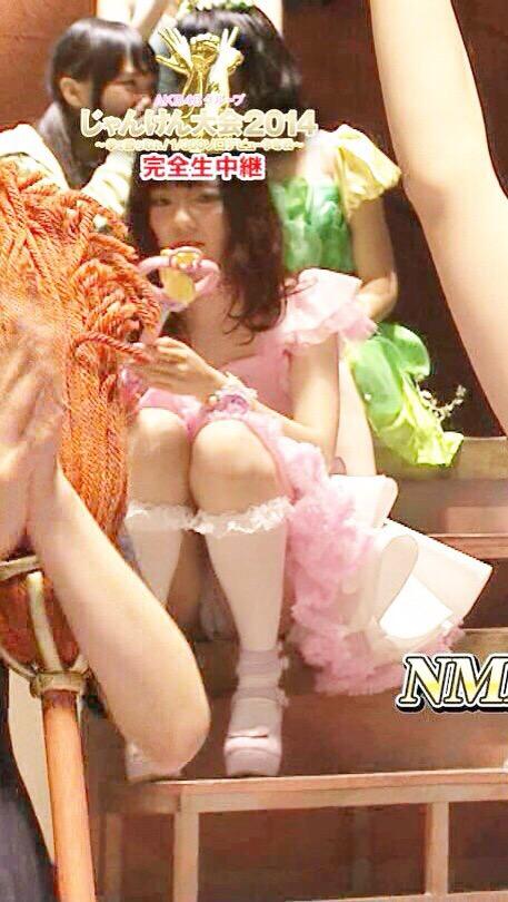 AKB48グループメンバーのTVパンチラ総選挙!お宝ハプニングエロ画像 41枚 No.5