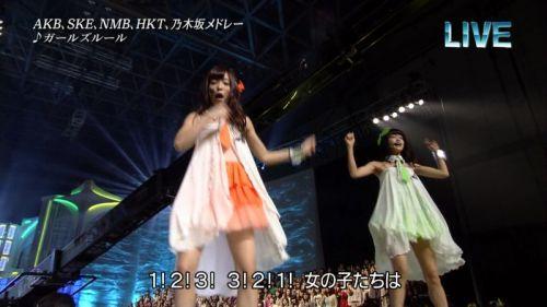 AKB48グループメンバーのTVパンチラ総選挙!お宝ハプニングエロ画像 41枚 No.15